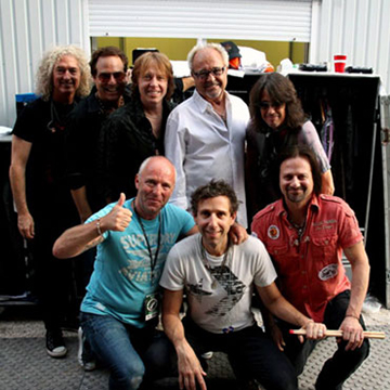myRockworld concert review Foreigner live in Rosenheim 18.7.2013. Foreigner was founded by Mick Jones 1976.